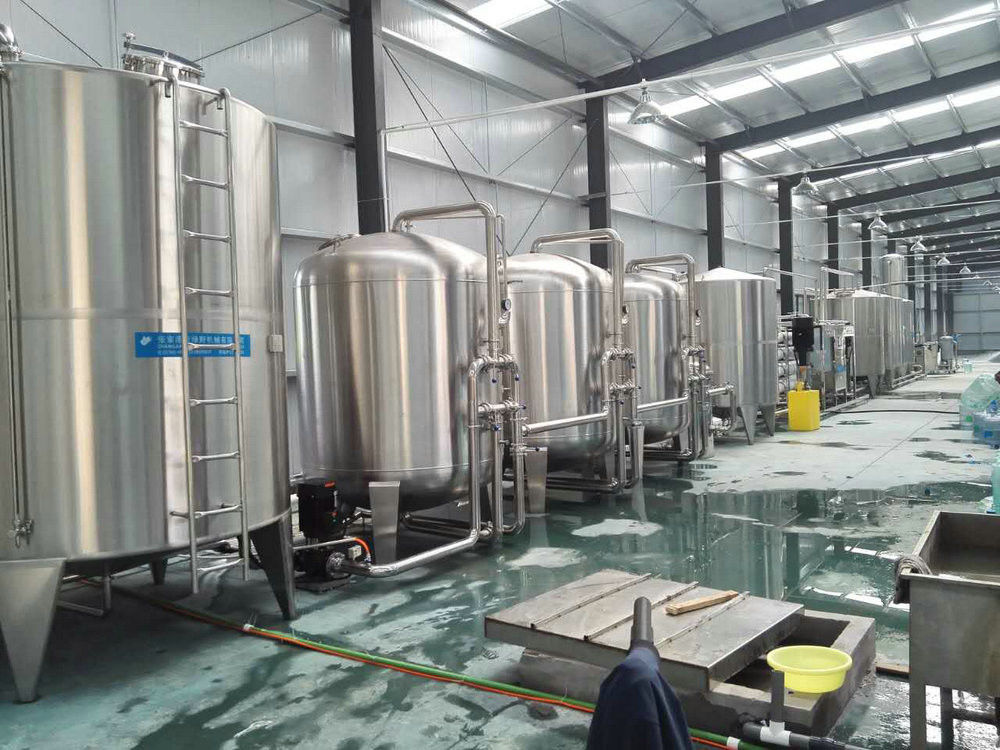 3 In 1 Automatic Filling Machine With Hanging Bottle Conveyor Method